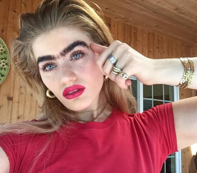 Sophia Hadjipanteli - девушка с очень густыми бровями