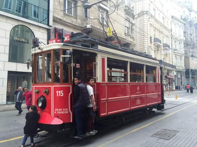 Стамбул is calling: як вирватися в Мекку турецьких солодощів без візи і з обмеженим бюджетом