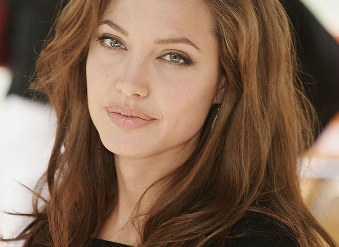 Анджелина Джоли рассказала о жизни после развода с Брэдом Питтом