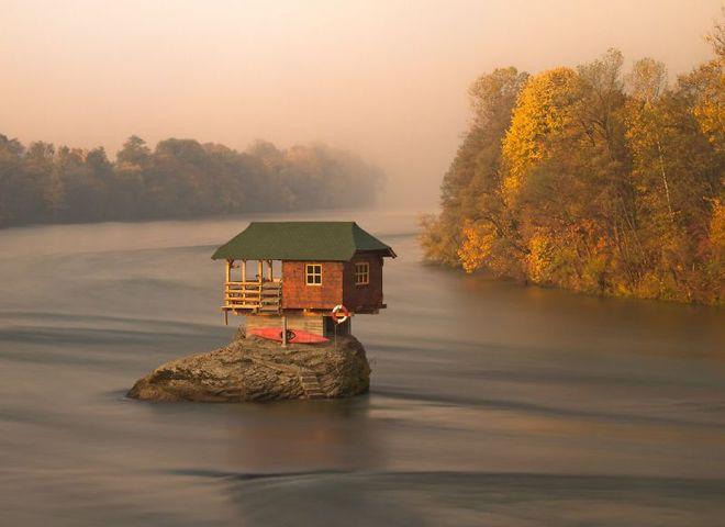 Рай для інтроверта: 10 маленьких самотніх будинків