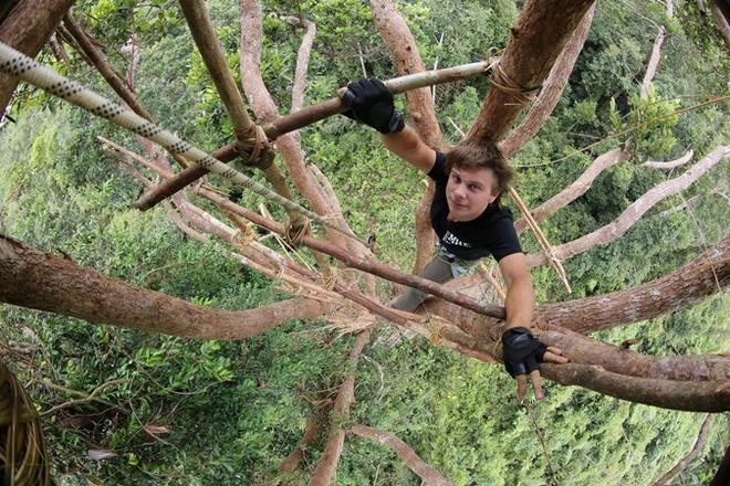 Дмирий Комаров, Новая Гвинея