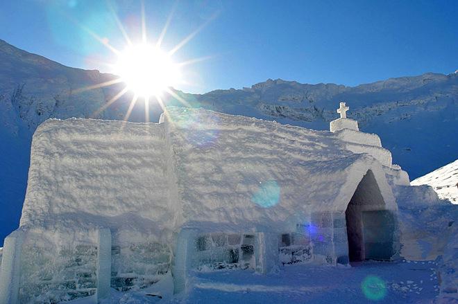 Лучшие отели из льда и снега