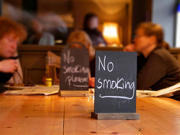 ТОП-5 стран, где лучше не появляться с сигареткой: Канада