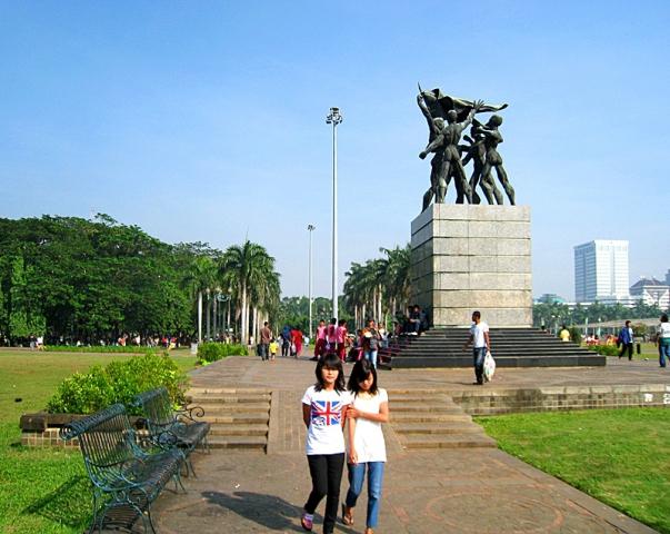 5 крупнейших городских площадей в мире: Площадь Медан Мердека, Джакарта, Индонезия