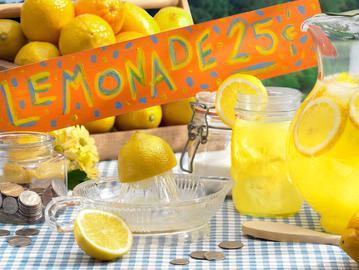 День лимонаду