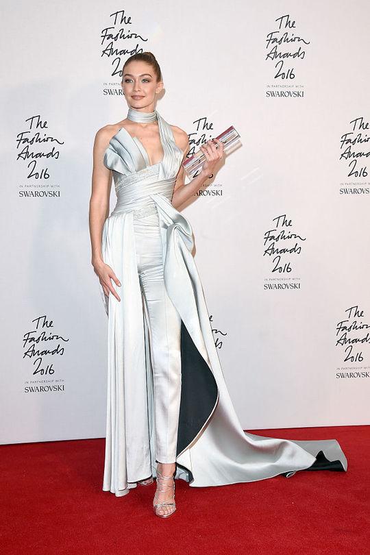 Джиджи Хадид в Atelier Versace