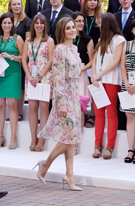 королева Іспанії Летиція в Zara