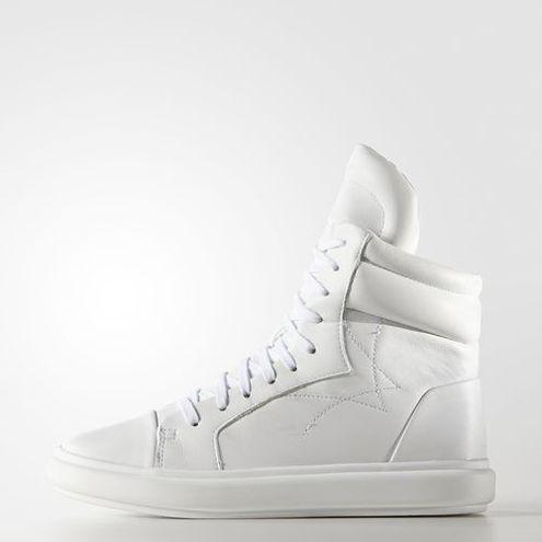 Обираємо взуття: зимові кросівки