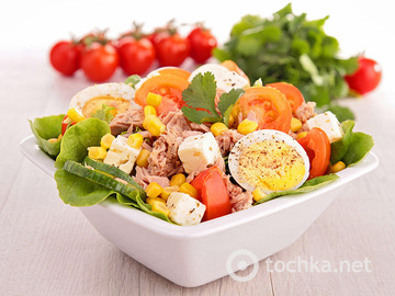 Салат із кукурудзою