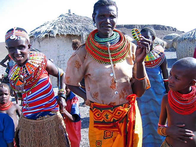 Племена, де може пожити турист: Плем'я Ель моло (Кенія)