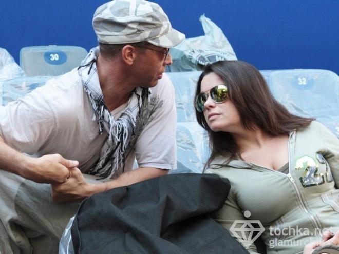 Тарзан трахает девушек на своем шоу фото 541-612