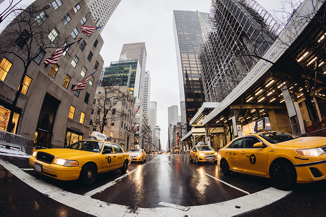Как ловить такси в разных странах мира