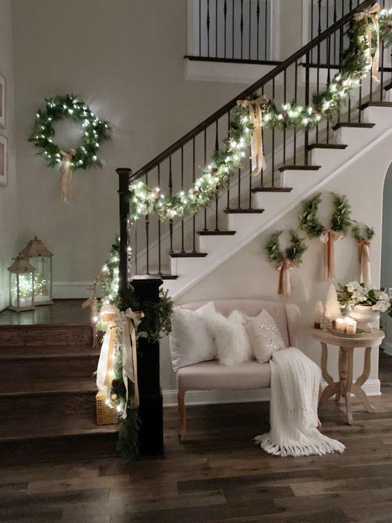 Декор лестницы к новому году