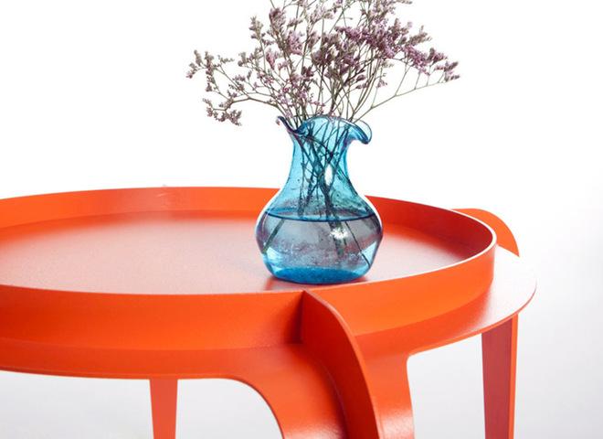 Новинки мебели: столики наизнанку