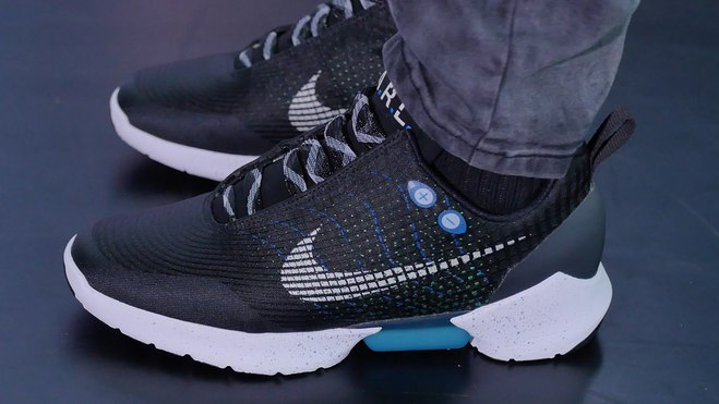 Nike создал кроссовки, которые не нужно зашнуровывать