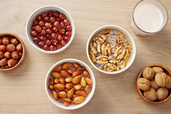 скільки вермени і чому замочують горіхи