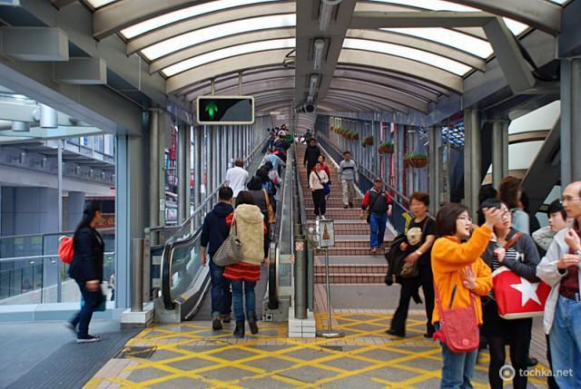 Цікаві місця Гонконгу: Mid-Levels Escalator