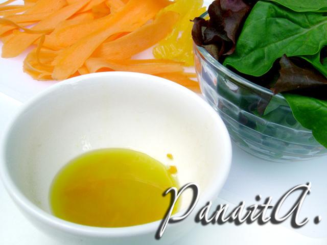 Сочный, яркий и полезный салат с морковью, апельсином и оливковой заправкой