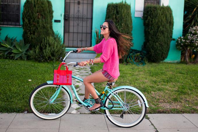 Модные блогеры на велосипедах