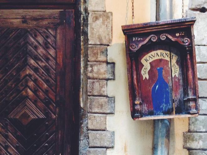 Рестораны Львова: Під синьою пляшкою