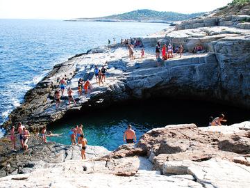 Перлина біля моря: лагуна Гіола в Греції
