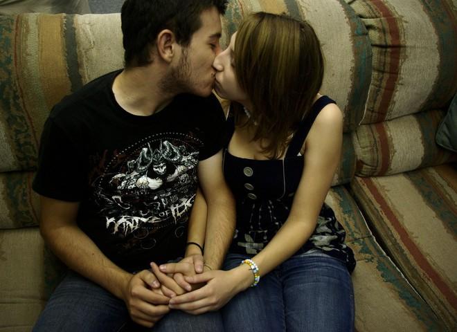 От поцелуя можно заболеть