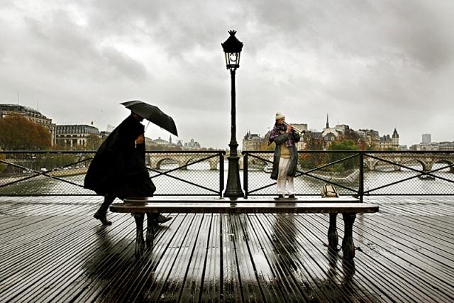Париж под дождем