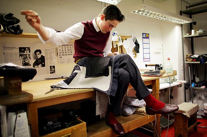Сэвил-Роу: экскурсия в самое сердце британской моды: ателье Henry Poole & Co