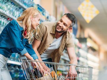 Як витрачати менше грошей на їжу: поради і лайфхаки