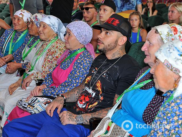 Інтерв'ю з Бурановськими бабусями