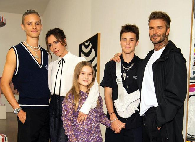 Victoria Beckham весна-лето 2021