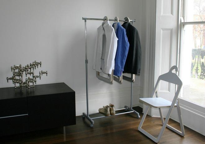 Стілець-вішалка Hanger chair, дизайн - Філіп Малуін (Philippe Malouin)