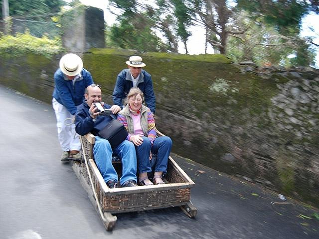 8 найбільш незвичайних видів транспорту: Monte toboggan, Мадейра