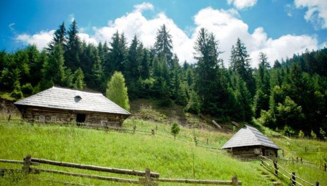 Места Украины, которые стоит посетить: ТОП-5 уникальных сёл