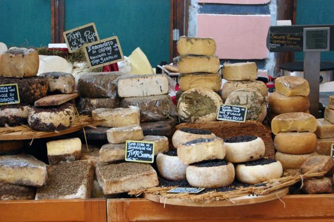 Ярмарок смаку на фестивалі сиру в Бра
