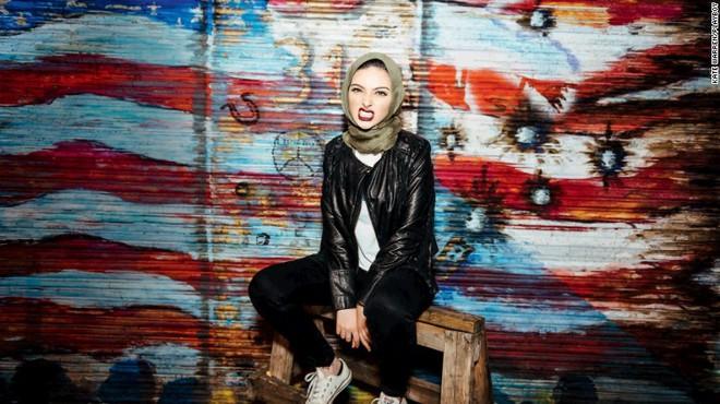 Перша мусульманка, яка знялася в журналі Playboy - Нур Тагурі