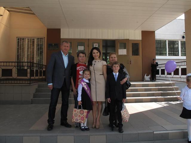 Лілія Подкопаєва з родиною