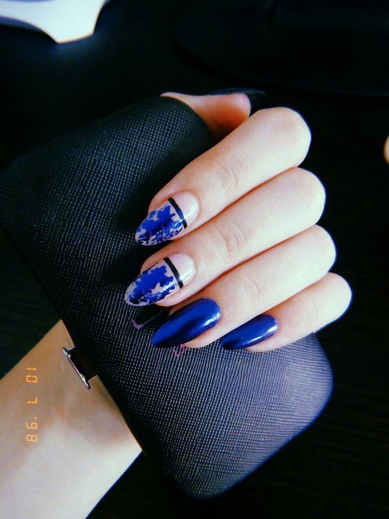 Classic Blue: ідеї манікюру з головним кольором року по Pantone