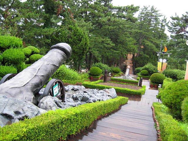 Еротичний парк «Біля моря»