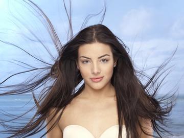 Длинные ухоженные волосы – эталон женской красоты