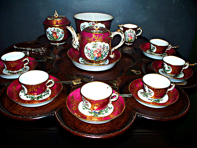 5 речей, які потрібно прикупити в UK: чайний сервіз