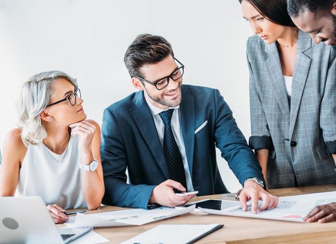 Чем ты раздражаешь своего начальника: 5 глупых привычек