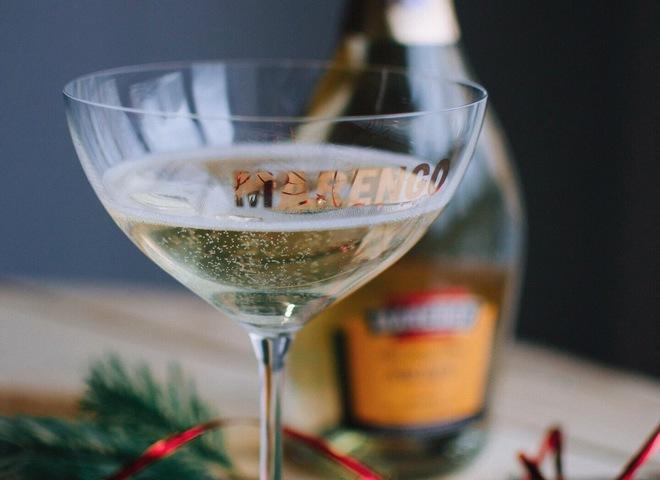 Новогодний стол: ТОП-5 напитков к празднику
