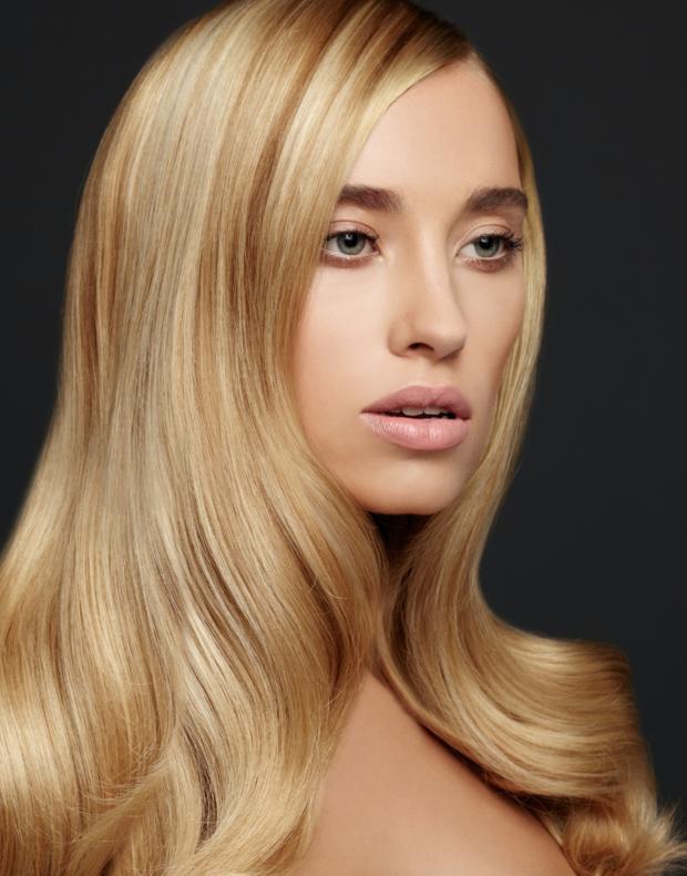 Кератиновое випрямлення волосся