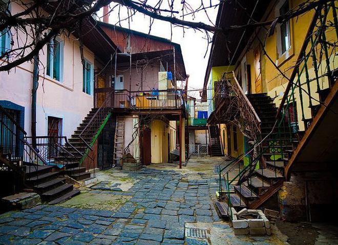 Почувствуй Одессу: посети сайт с панорамами местных двориков