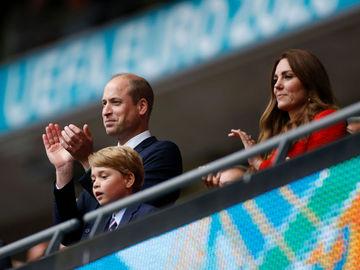 Принц Уильям, Кейт Миддлтон и принц Джордж посетили матч Евро-2020