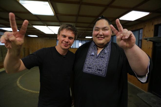 Дмитро Комаров і чемпіон з сумо, Японія