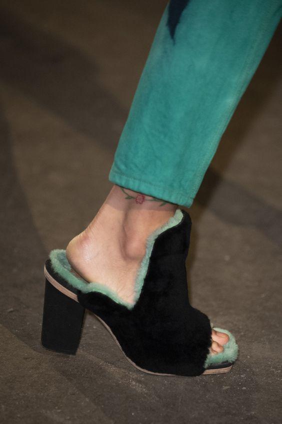 Короткошерстные ботинки