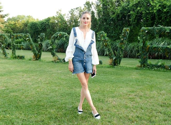 З чим носити джинсовий комбінезон: стильний образ Олівії Палермо