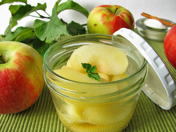 Компот из яблок на зиму – вкусно и полезно
